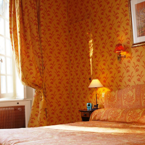 chambre-tradition-vue-charme-intime